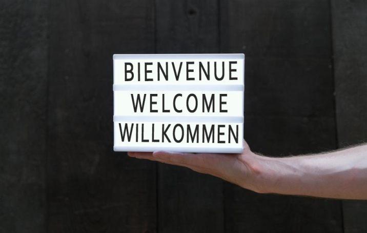Bienvenida, welcome, bienvenue, willkommen: volatility