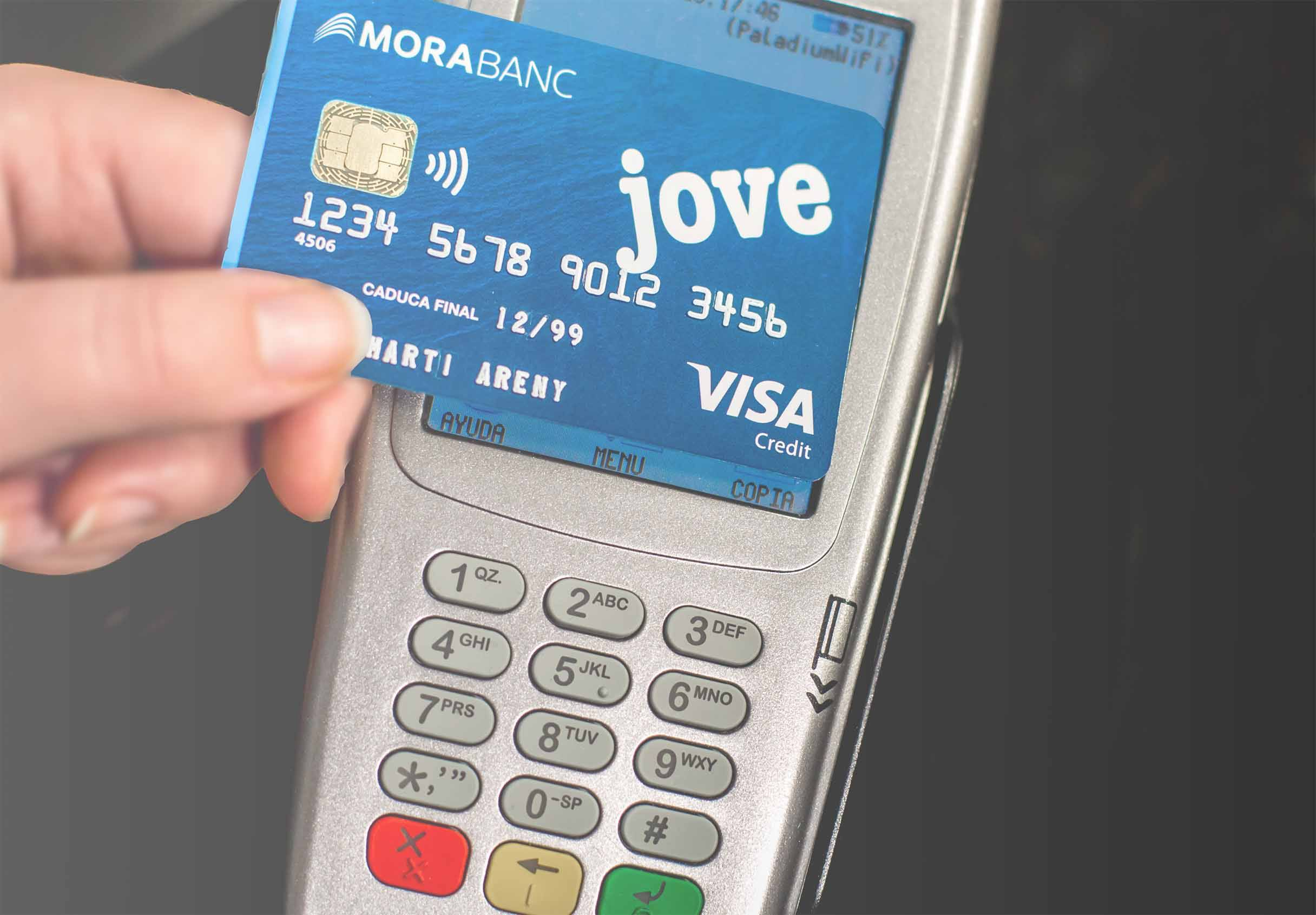 MoraBanc's new contactless cards