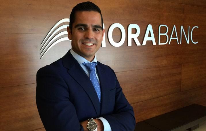 Juan Hernando, gestor de MoraBanc, entre els 10 millors selectors de fons d'Espanya